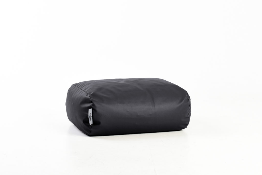 pufas Oval, juodas